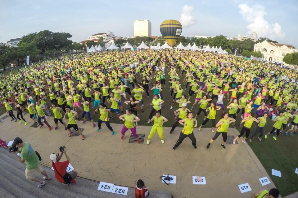 馬來西亞市民於舞動全城活動中做運動